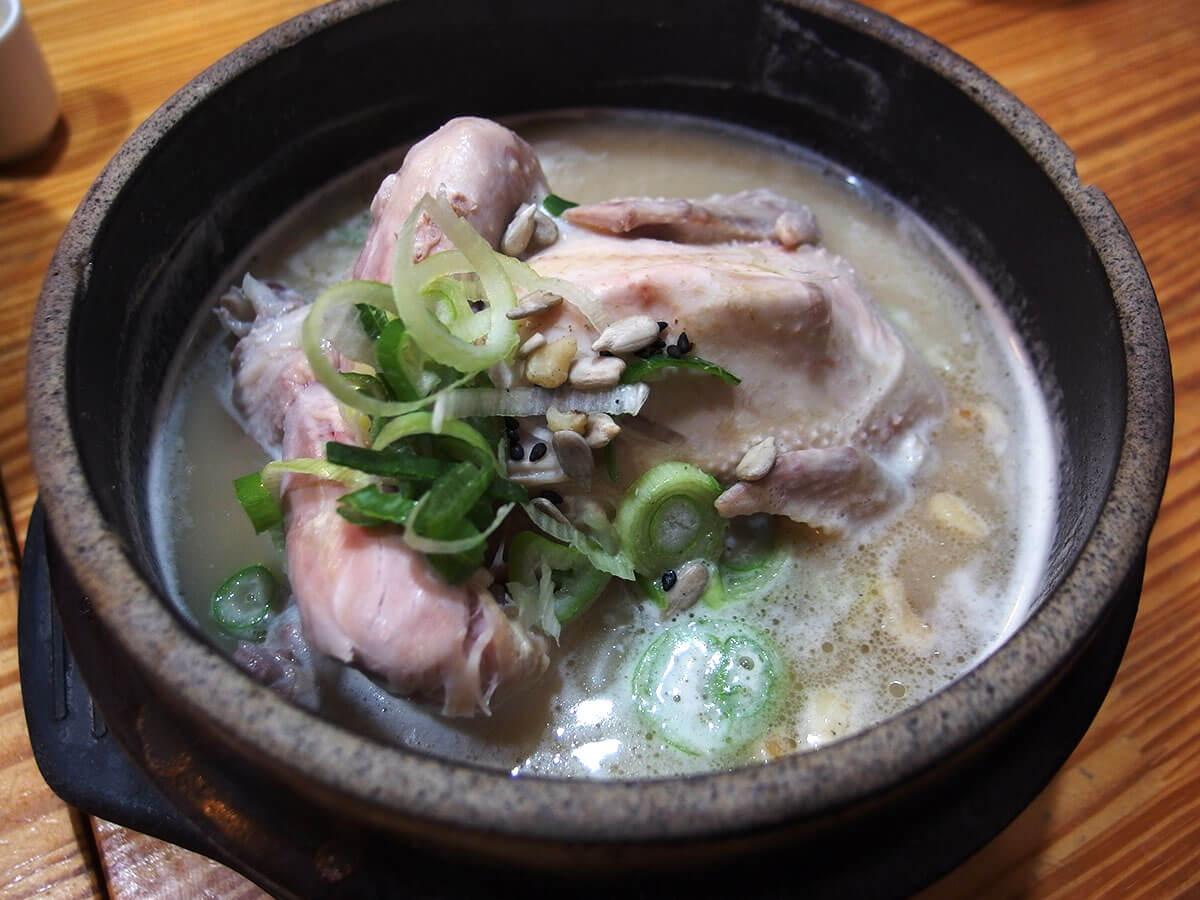参鶏湯(サムゲタン)の有名店「トソッチョン(土俗村)」