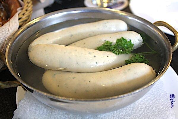 ドイツ・ミュンヘンの朝食は白ソーセージ
