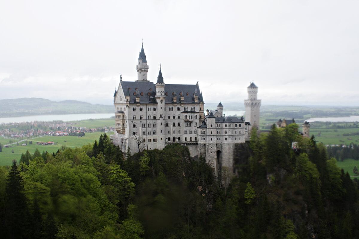 ノイシュヴァンシュタイン城はシンデレラ城のモデルになった