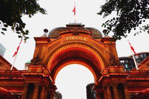 コペンハーゲンのレトロな遊園地「チボリ公園」は開園170年以上の歴史!