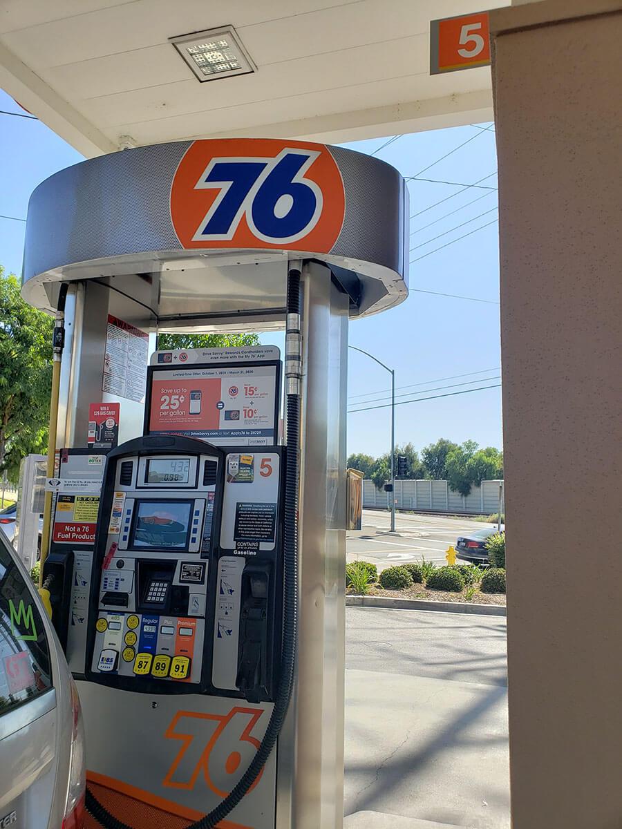 海外のガソリンスタンドの使い方