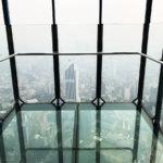 クアラルンプールのKLタワー展望台でスリル満点のスカイボックス体験を!