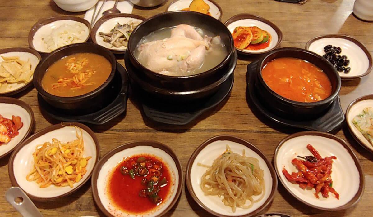 カロスキルで味わう伝統的な韓国料理「シゴルパプサン」