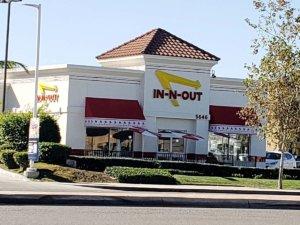 IN-N-OUT Burger 南カリフォルニアで大人気のファストフードチェーン!裏メニューもご紹介!