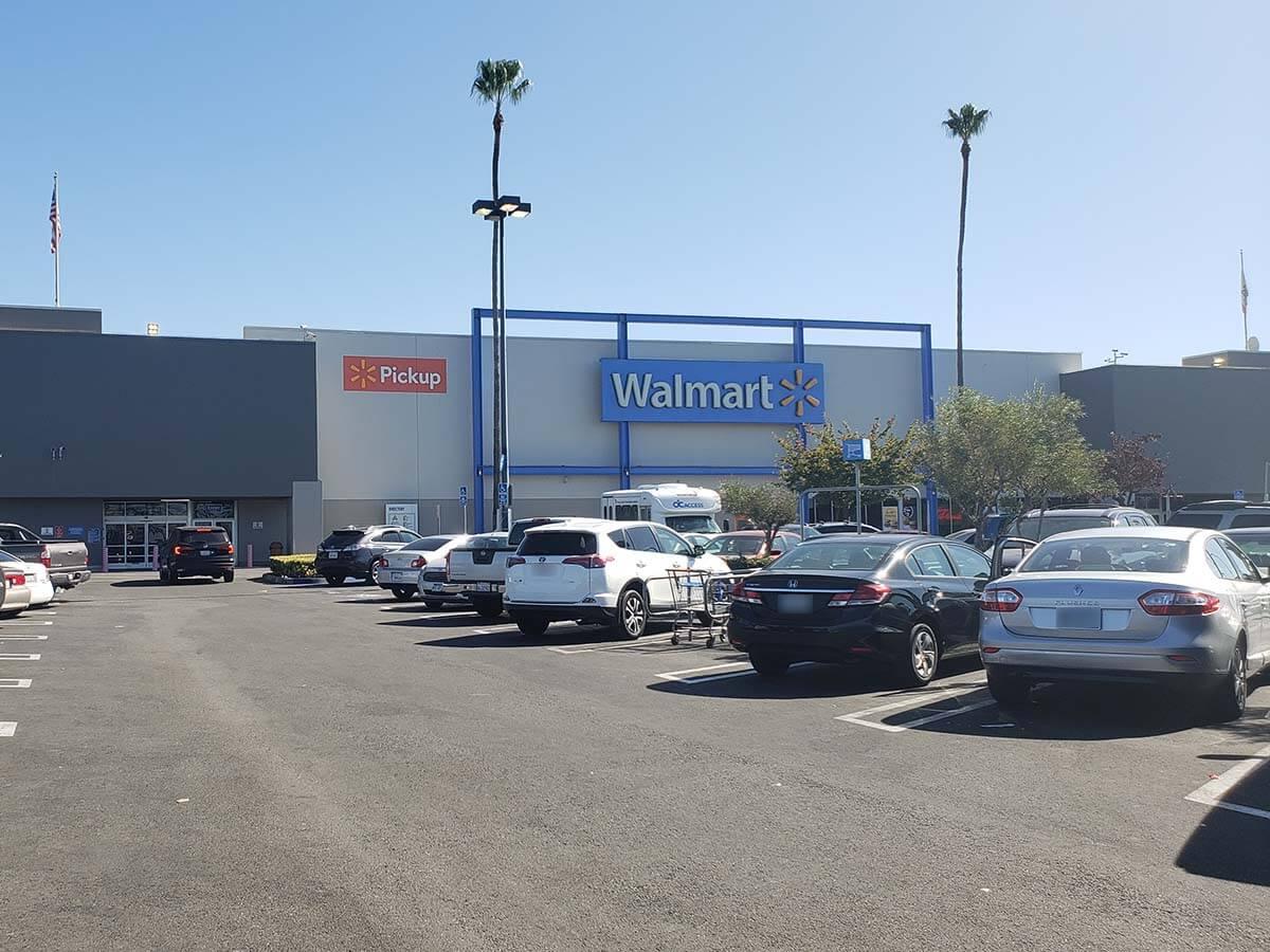 ウォルマートはアメリカ最大のスーパーマーケットチェーン店