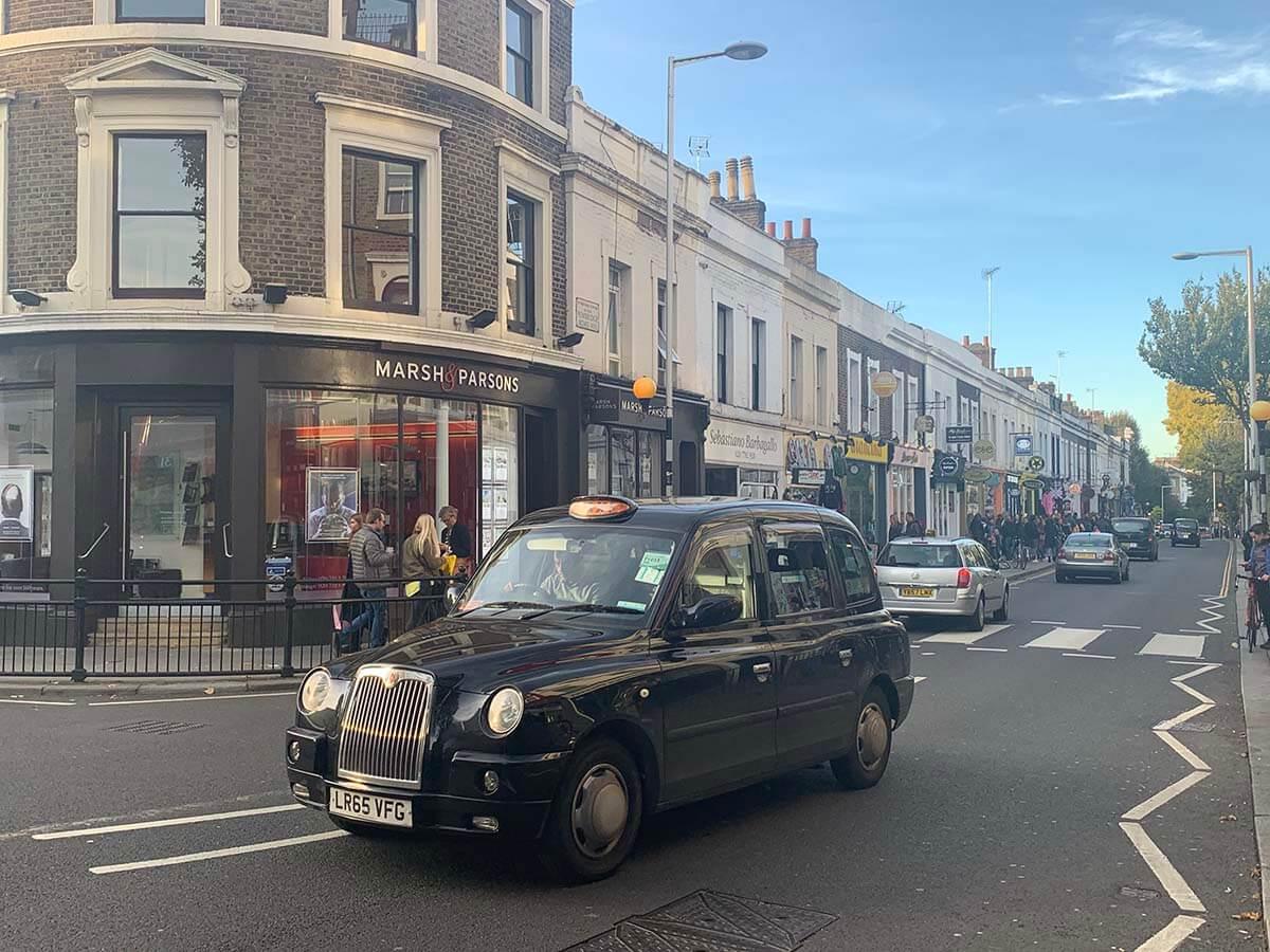 ロンドンのタクシーの乗り方
