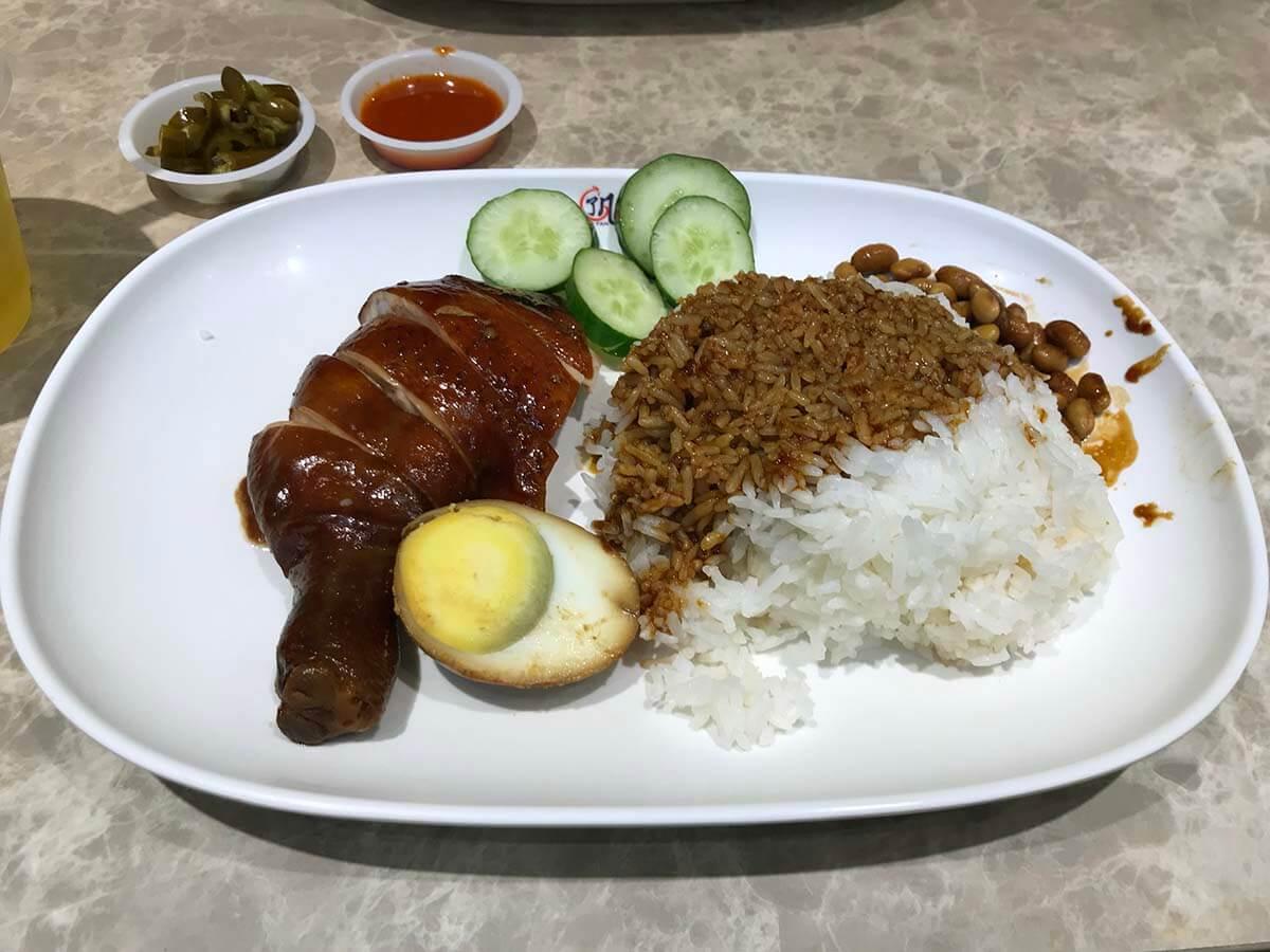 ミシュラン1つ星!シンガポールの屋台飯「Hawker CHAN(ホーカー・チャン)」のSoya Sauce Chicken Rice