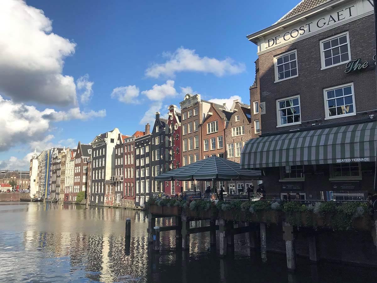 アムステルダムの「coffee shop」はcafeではない!?