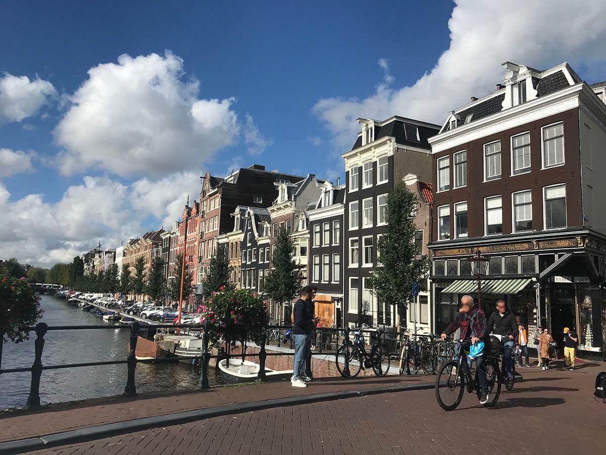 オランダ アムステルダムにある飾り窓とは?