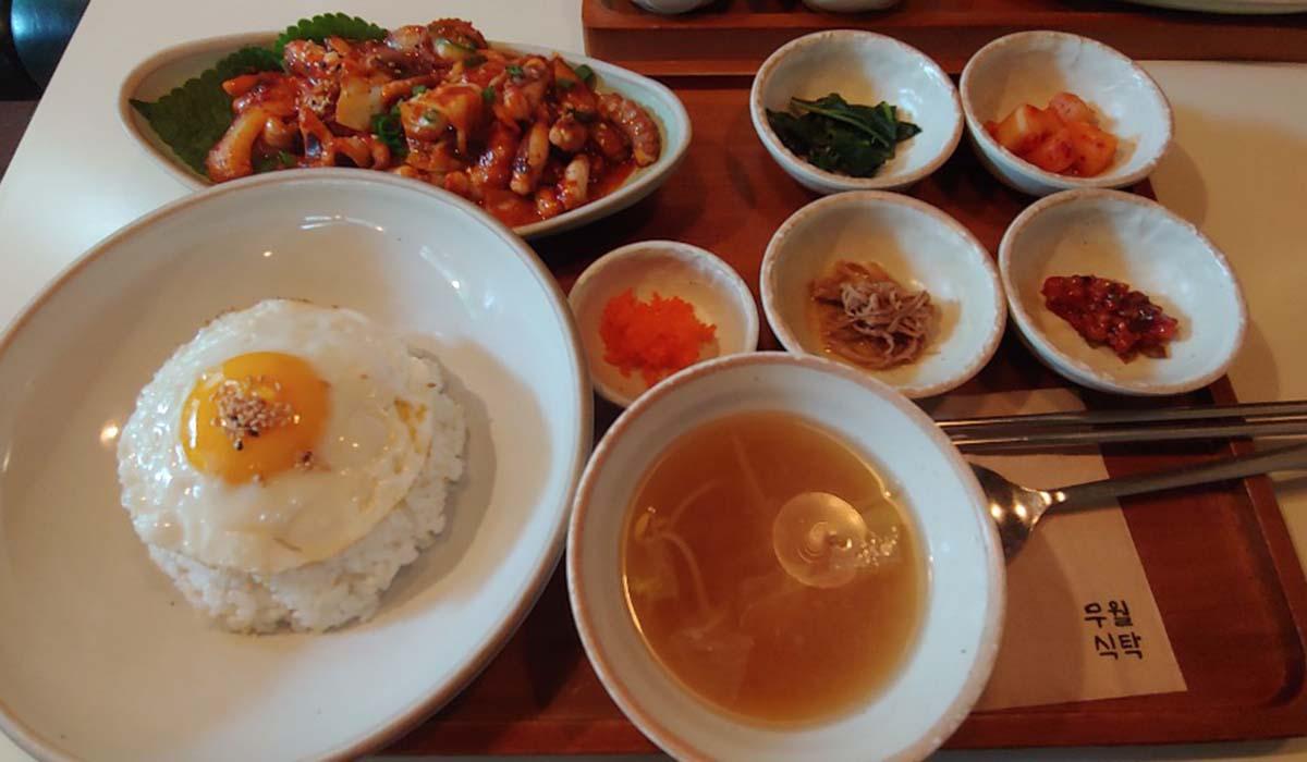 一人旅でも安心。江南「ムウォルシクタク」でオシャレな韓国料理のランチを堪能