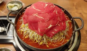 こんなの見たことない!韓国らしい豪快料理「水カルビ&百年プルコギ(가산물갈비&백년불고기)」